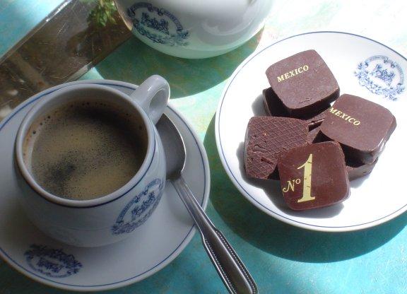 café équitable Orient-Express et chocolat noir Auzoux Mexico